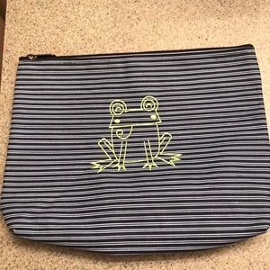 Thirty One zippered pouch